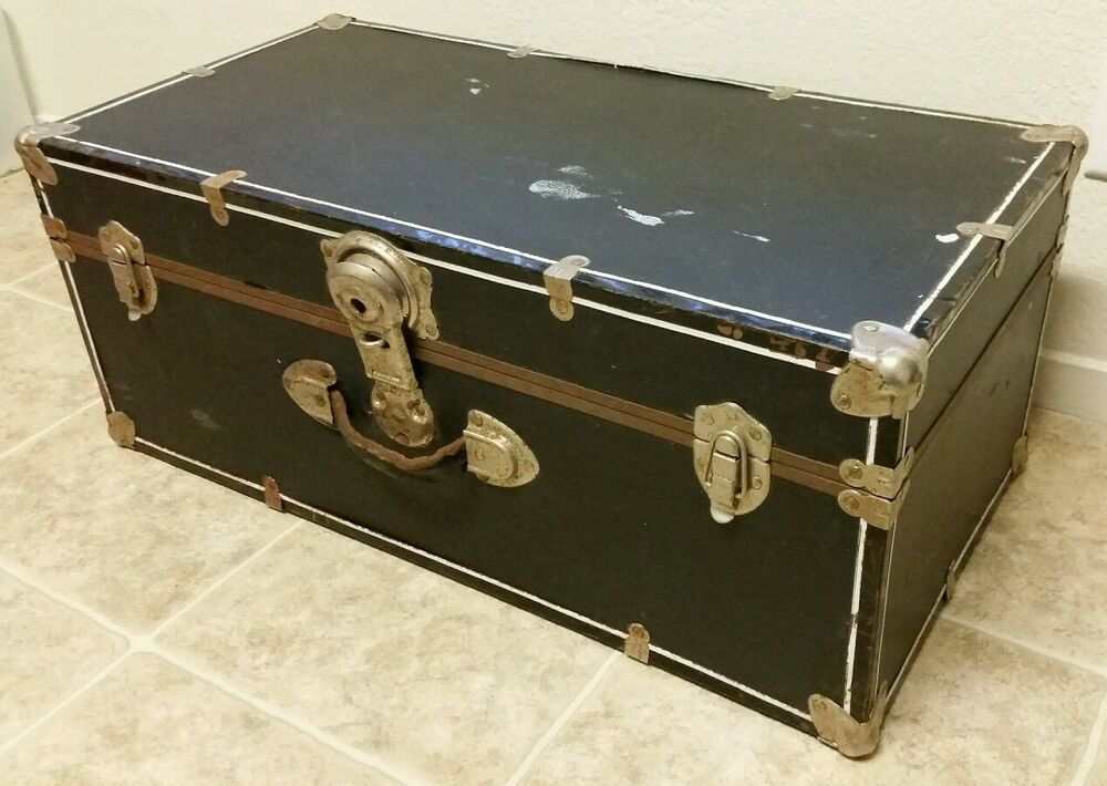 Vintage Black Coffee Table Trunk W Metal Corner Edges Newspaper Lining 28 Ebay