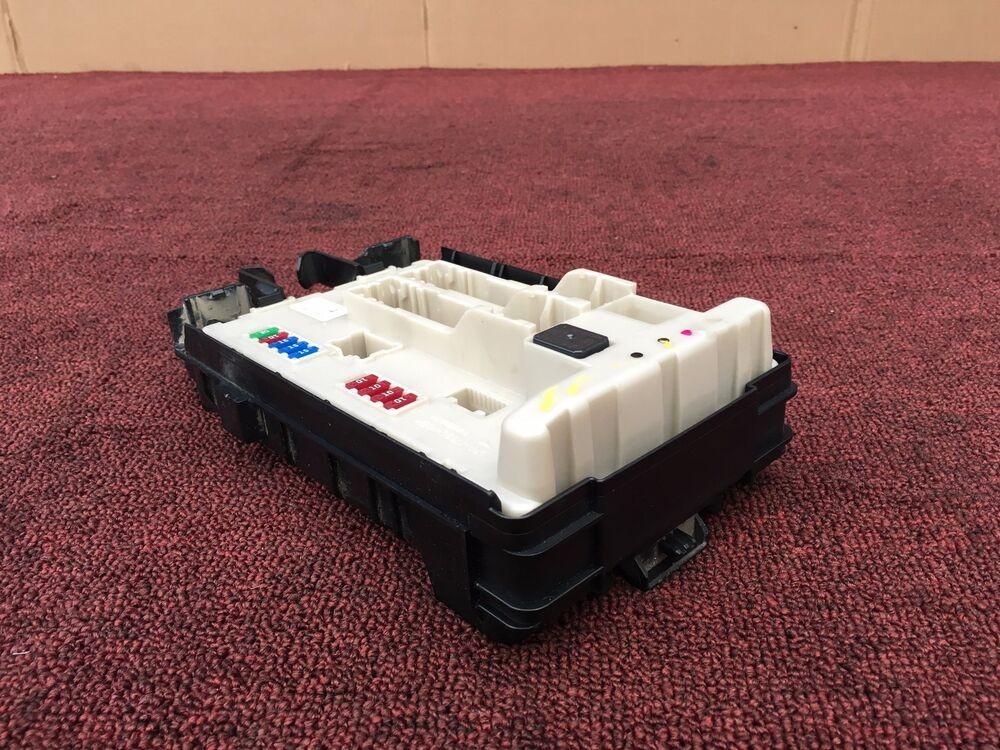 nissan 370z 2009 2015 oem fuse box engine fuse box relay control box