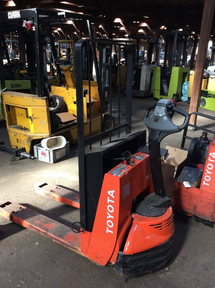 00590 43520 71 Seat Relief Toyota Pallet Truck 6HBW23 Good Used 005904352071 EBay