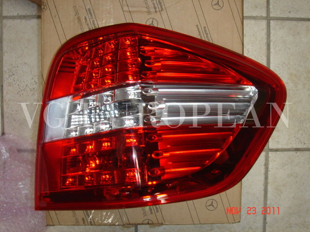 Mercedes benz genuine right rear lamp taillight led ml350 for Mercedes benz tail light lens