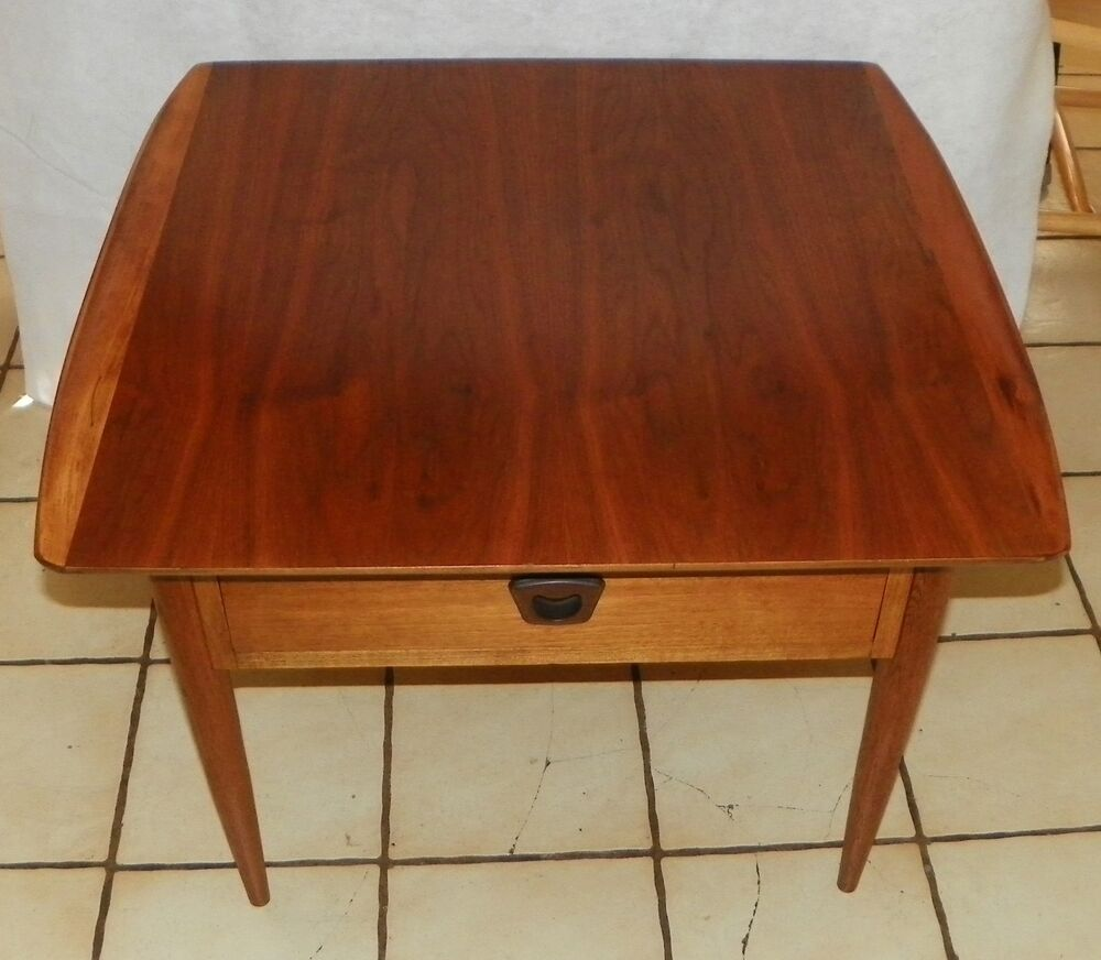 Walnut Mid Century End Table / Side Table By Bassett (BM