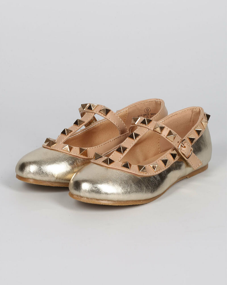 27 Toe Nail Designs To Keep Up With Trends: New Girl Fab Kicks K-Jovie-27 Metallic Round Toe Studded T