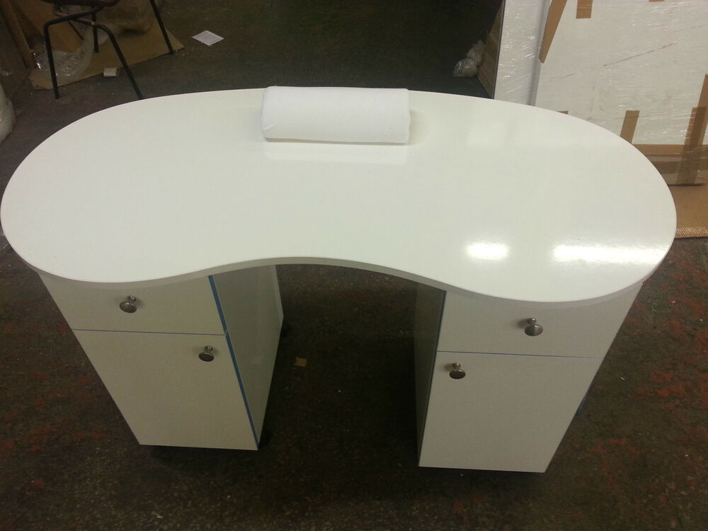 Brand new white high gloss manicure technicians table for Nail technician table