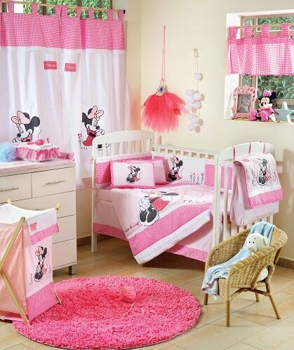 Brand New Disney 4 Piece Minnie Mouse Flower Crib Bedding