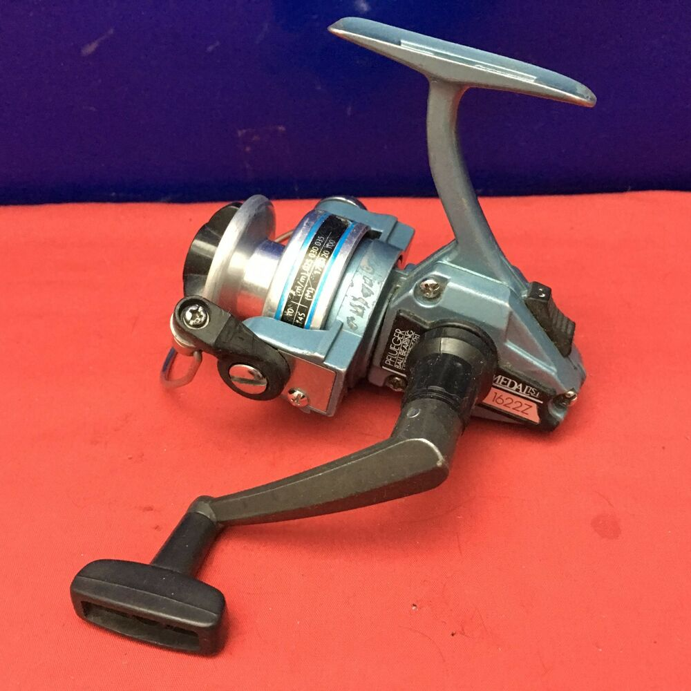 Vintage pflueger medalist 1622z spinning fishing reel ebay for Vintage fishing reels