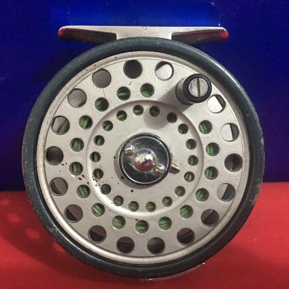 Vintage daiwa 710 fly fishing reel ebay for Fly fishing reels ebay