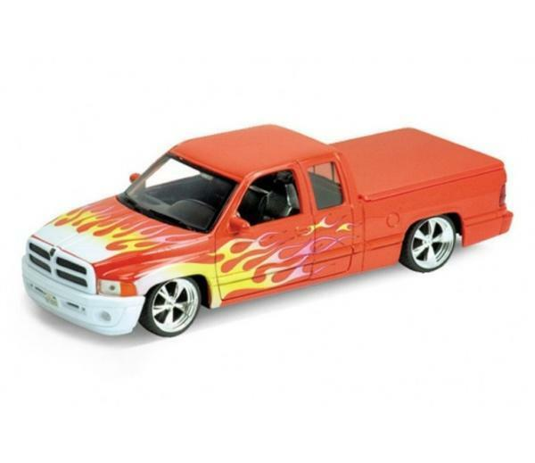 Diecast Model 1 24 Car Dodge Ram 1500 Sport From Welly