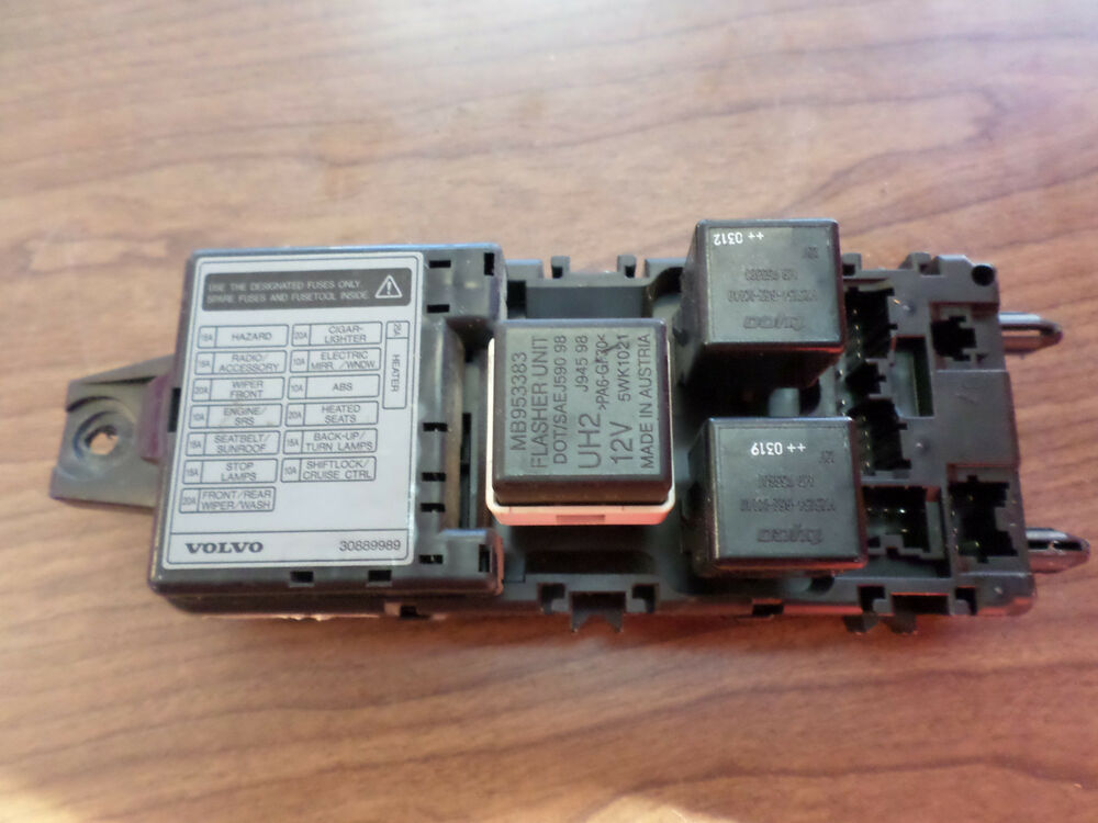 2001 2004 volvo s40 oem relay and fuse block 3e29 0316. Black Bedroom Furniture Sets. Home Design Ideas