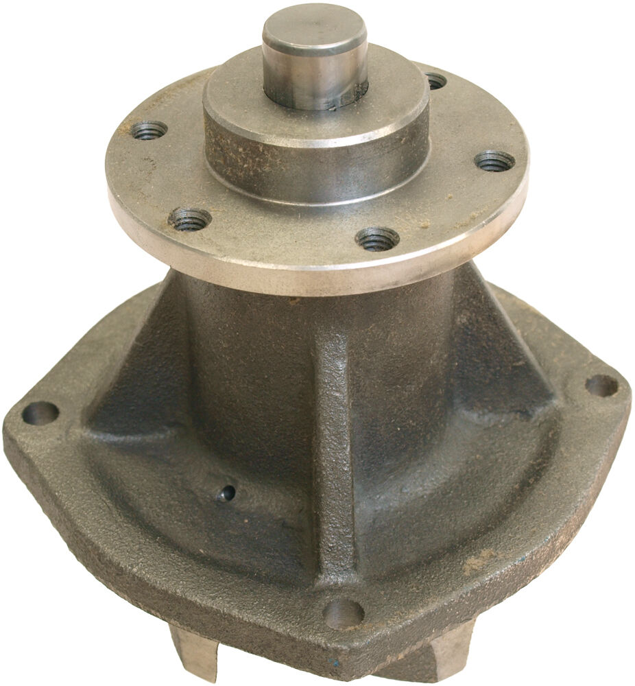 International Tractor Water Pumps : C water pump with hub for international