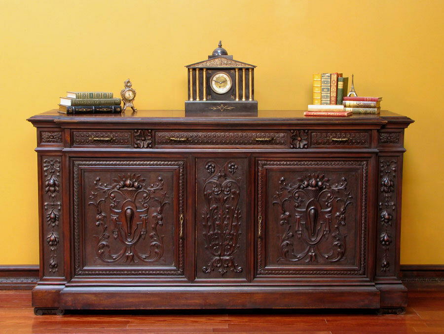 680337  Antique Italian Renaissance Carved Sideboard  -> Sideboard Buffet Tv