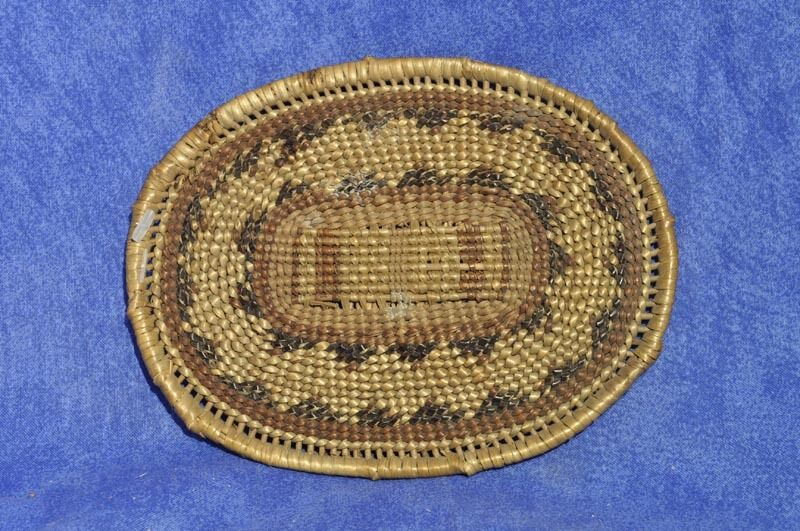 Basket Weaving Tribes : Hupa indian oval tray quot width length c