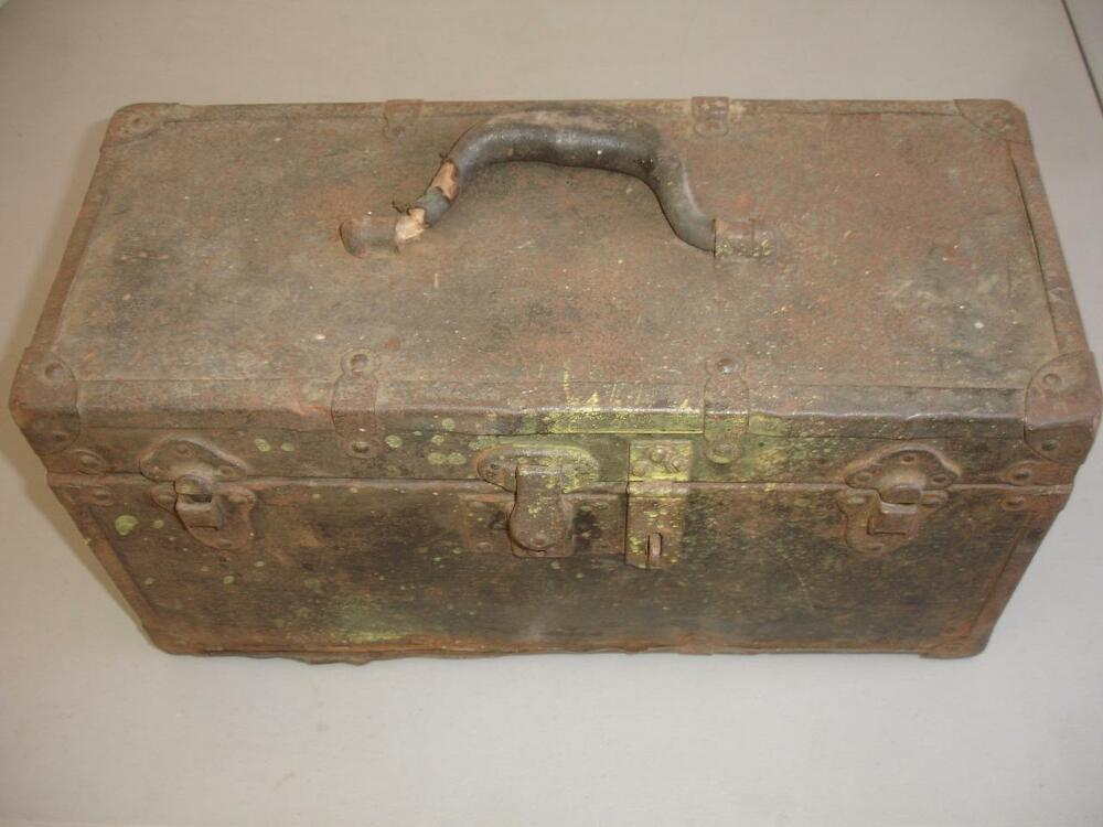 antique 18 metal wooden tool box look ms2842 ebay. Black Bedroom Furniture Sets. Home Design Ideas