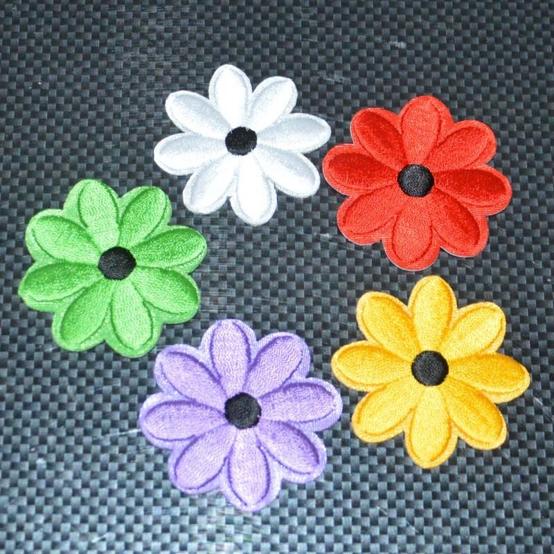 Daisy flower embroidered iron on patch sewn for clothing