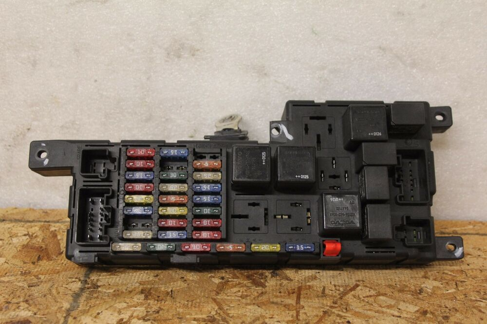 2004 volvo xc70 spare connector near rear fuse box   50