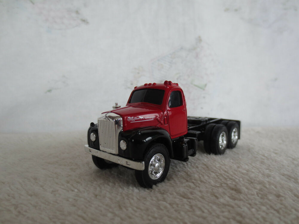 Mengs Heavy Metal Models In 35th Scale likewise Toy Semi Trucks Lowboy Trailers further Peterbilt Toy Truck also Peterbilt Custom 351 together with Showthread. on mack trucks and lowboy trailer
