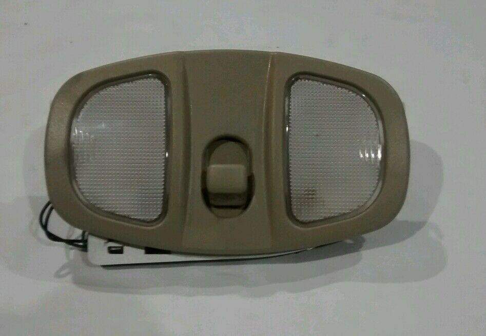 02 07 saturn vue torrent chevy torrent overhead dome light with sunroof tan ebay. Black Bedroom Furniture Sets. Home Design Ideas