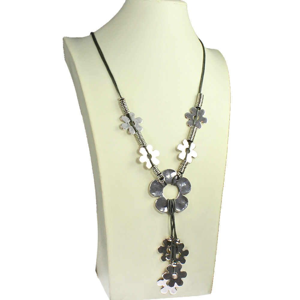 Lagenlook Jewellery: Lagenlook Quirky Flower Antique Silver Style Grey Leather