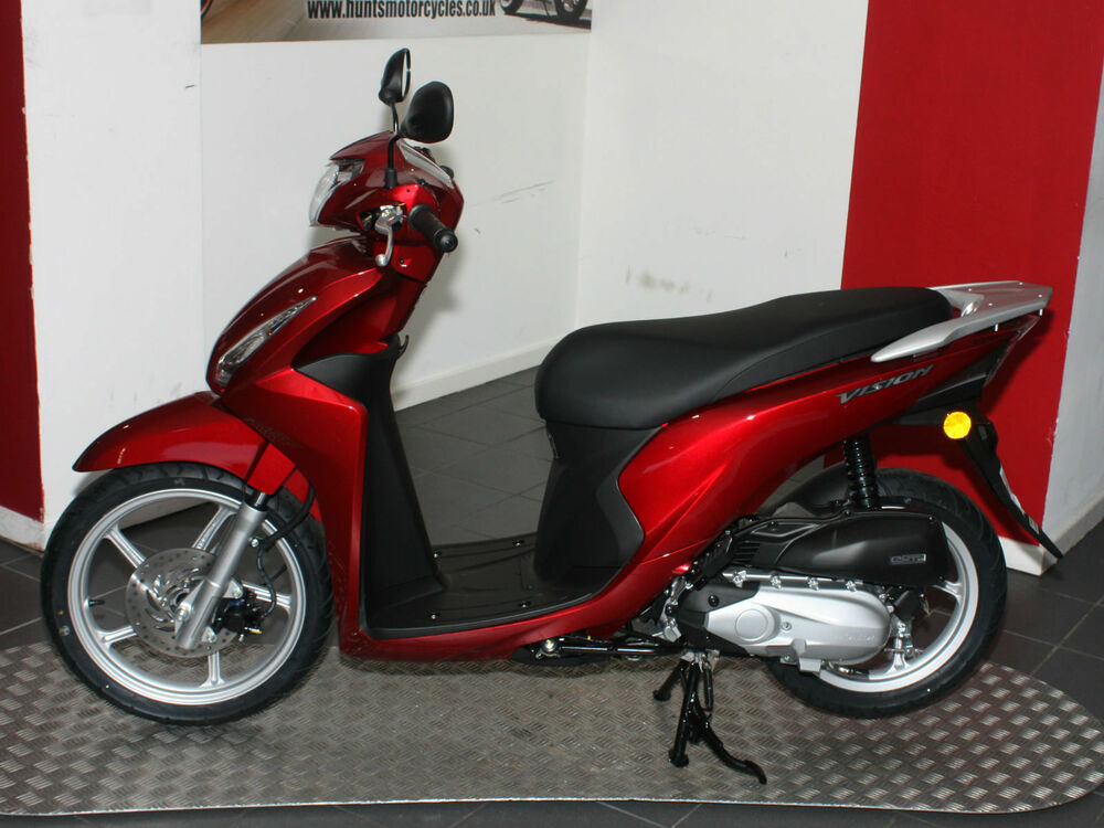 new model honda vision 110 scooter in stock now pearl red 2 199 ebay. Black Bedroom Furniture Sets. Home Design Ideas