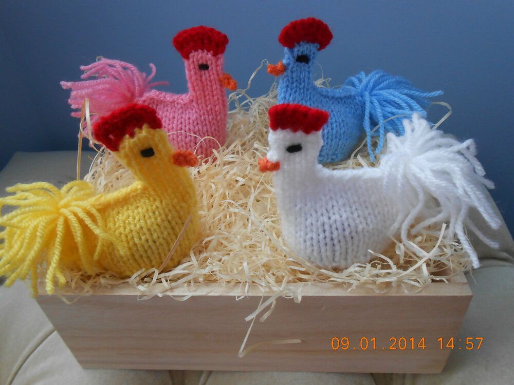 EASTER CHICK KNITTING PATTERN TO COVER CREME EGG FETE FUND