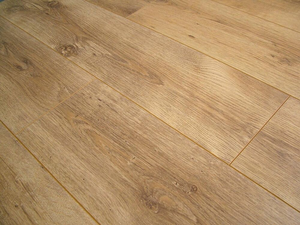Pallet deal elite portland oak 4v groove laminate flooring for Laminate flooring portland