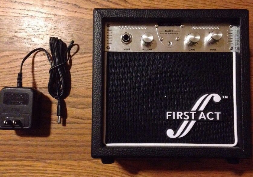 first act ma104 electric guitar practice amplifier a c adapter guitar cable 607266306169 ebay. Black Bedroom Furniture Sets. Home Design Ideas