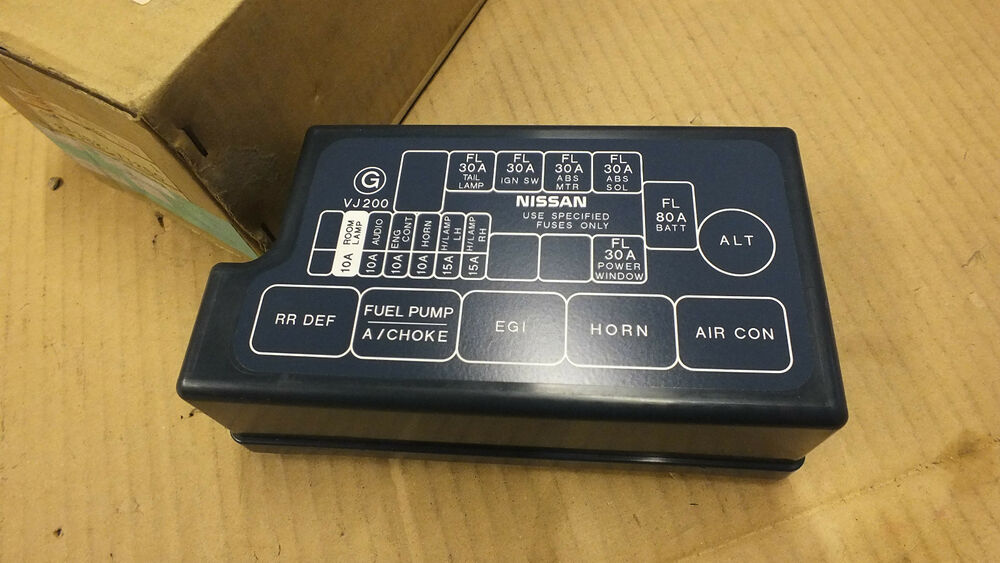 nissan navara fuse box genuine nissan navara d22 97-04 new fusebox cover 24382 ... 2012 nissan juke fuse box location