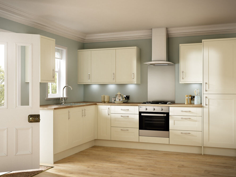 Kitchen units cream shaker door new 18mm rigid built for Kitchen design units