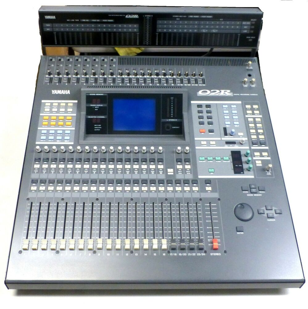 selling as is yamaha o2r studio digital mixing console w meter bridge ebay. Black Bedroom Furniture Sets. Home Design Ideas