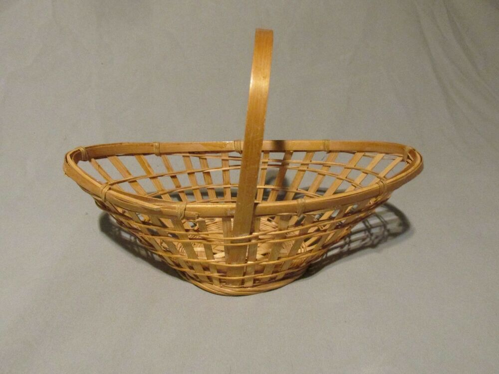small wicker basket with handle open weave oblong shaped light bamboo 6 tall ebay. Black Bedroom Furniture Sets. Home Design Ideas