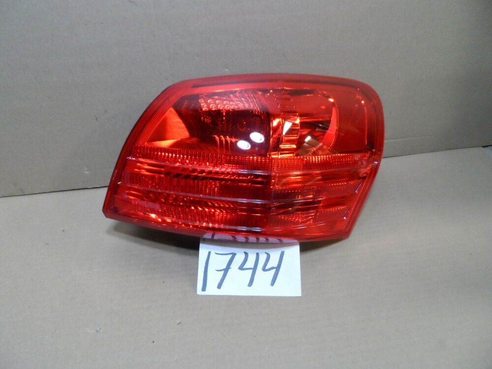 2015 Nissan Rogue Passenger Side Tail Light Used Rear Lamp