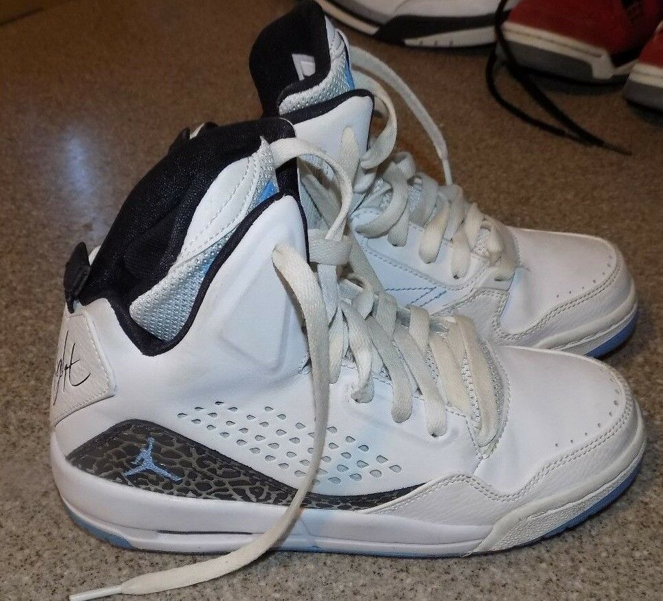 promo code 5d99e e6796 Details about YOUTH NIKE JORDANS FLIGHTS WHITE TRIMED IN SILVER AND BLUE  SIZE Y 5