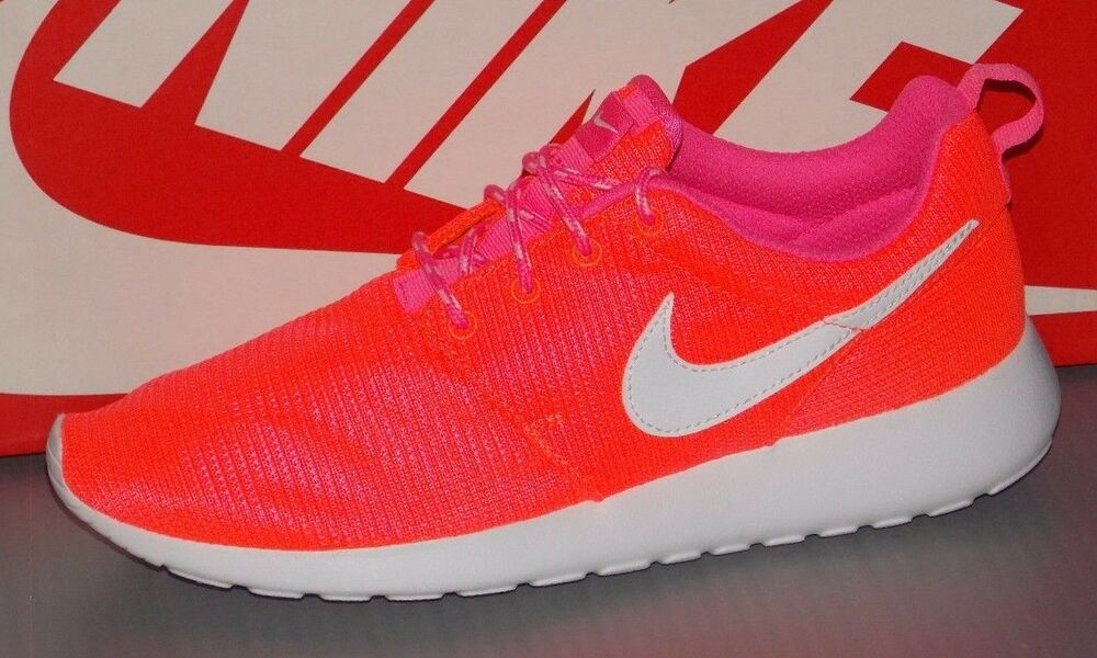 super popular 4308f 21788 Details about YOUTH NIKE ROSHERUN (GS) in colors LAVA GLOW   WHITE   PINK  SIZE 5