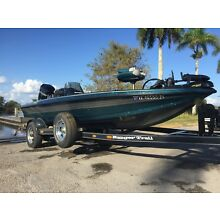 Mint Condition Ranger R70 17 ft Bass Boat
