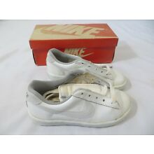 Vintage Nike Sneakers Shoes Shooter Youth Dead Stock sz 1 1/2