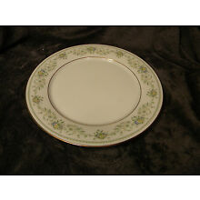 Noritake China - Green Hill pattern 2897 - Dinner Plate, EXCELLENT CONDITION