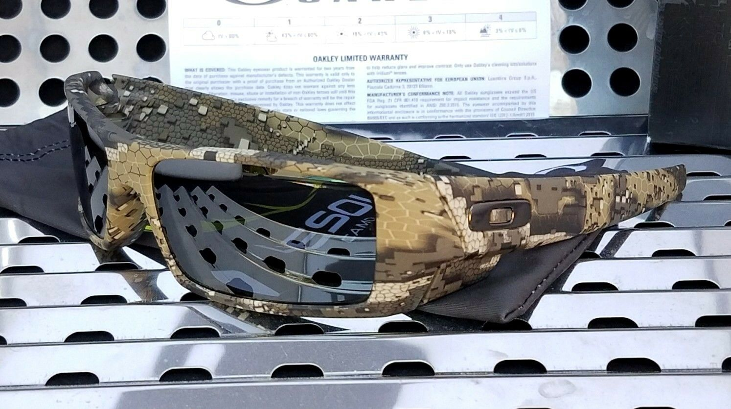 d9ec2c3aa2b84 ... UPC 888392235633 product image for Oakley Si Gascan Sunglasses With  Desolve Bare Camo Frame And Black