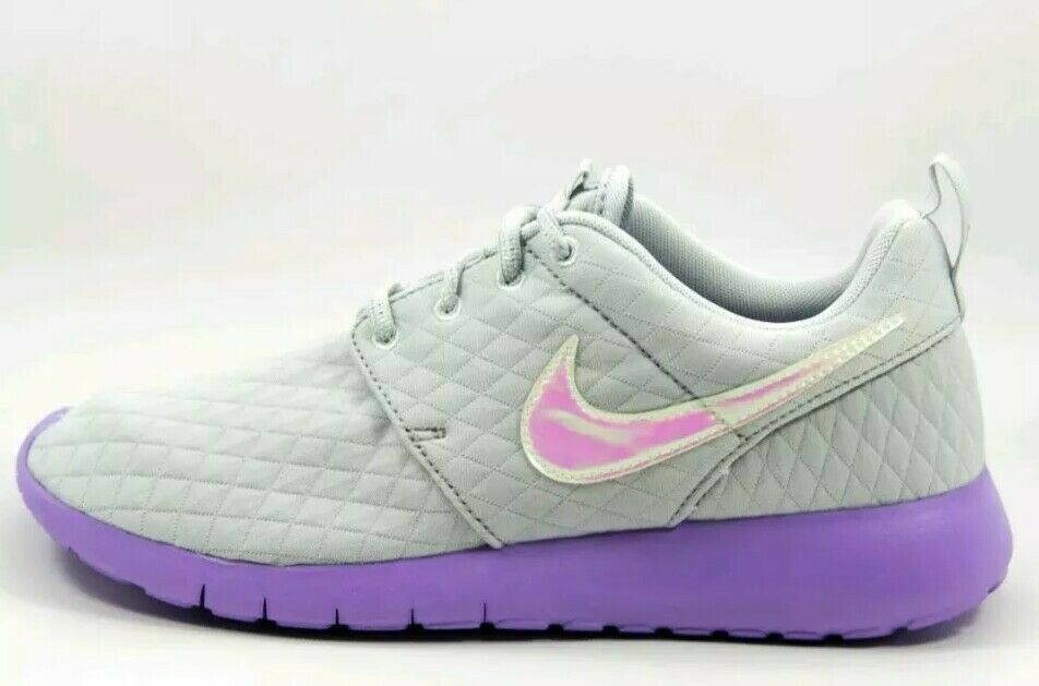 b98610e35037 Details about  70 GIRLS NIKE ROSHE ONE PURPLE GRAY GS SIZE fit 5.5y Unicorn  colors 859609 002