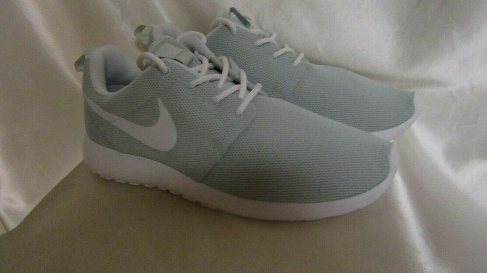 f8144d4b591b Details about WOMEN`S NIKE ROSHE ONE ATHLETIC SNEAKERS SIZE 8.5M NEW   844994303 COLOR FIBERGLA