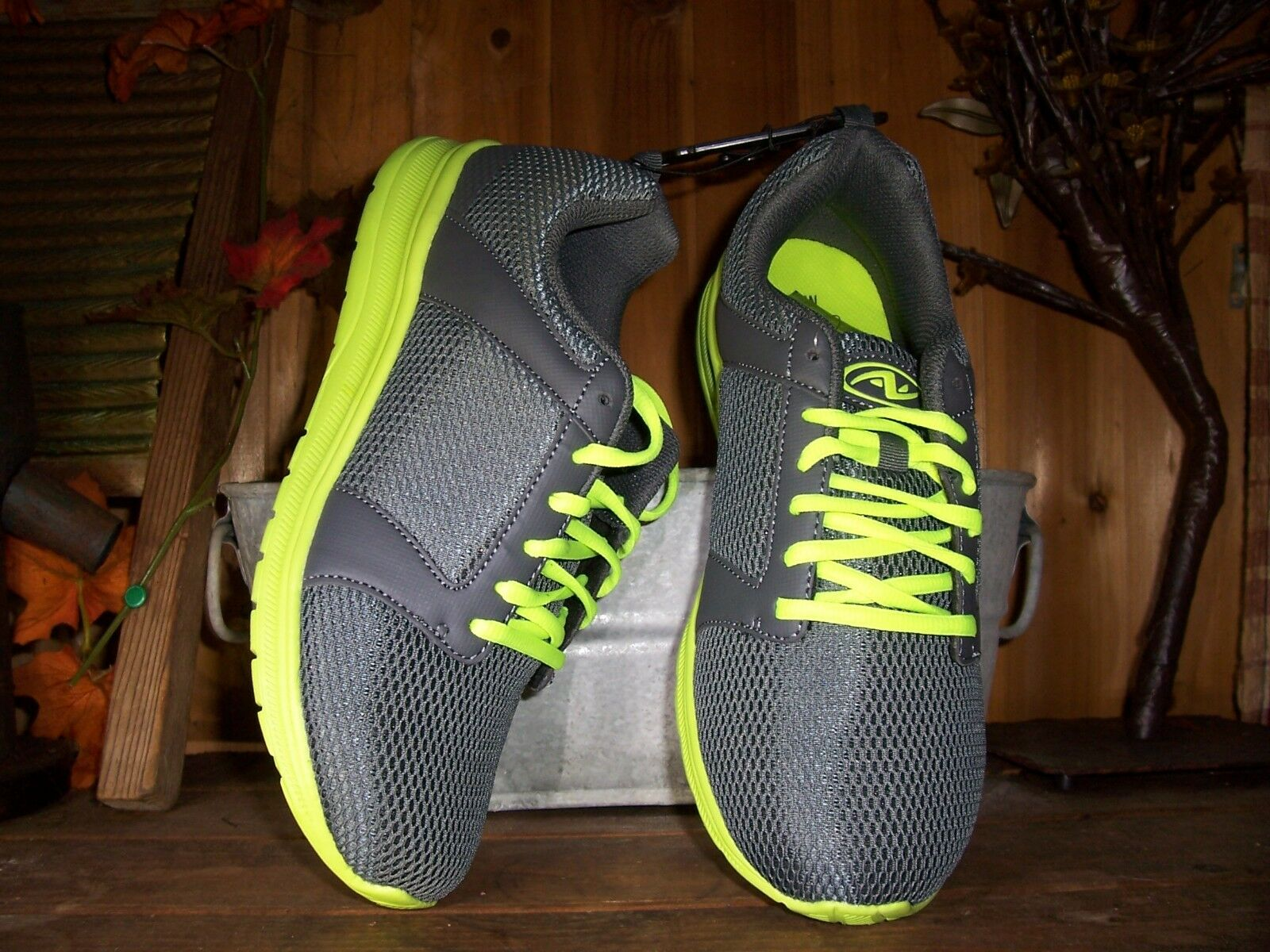 Athletic Works Men/'s Mesh Jogger Athletic Shoes Grey Lime Size 8 Wide