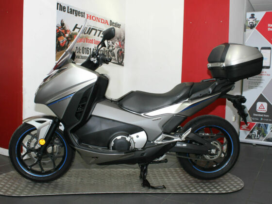 2017 '17 Honda NC750 Integra ABS Scooter. 1 Owner, 1,048 Miles. Top Box. £6,195