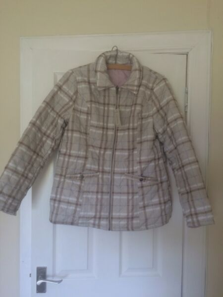 Ladies Damart Checked / Pink Reversible Quilted Jacket Size M BNWT
