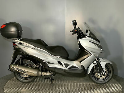Kawasaki SC 300 J300 Scooter 2015 with only 3239 miles Special Edition