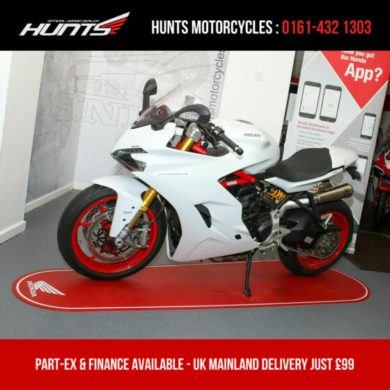 2017 '67 Ducati Supersport 1000S. ONLY 3,207 MILES. Akrapovic Pipes. £9,395