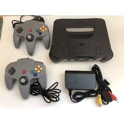 Kyпить Nintendo 64 N64 OEM Console Complete Bundle with 2 Controllers Tested all Cords на еВаy.соm