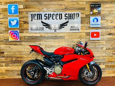 DUCATI 1299 S PANIGALE S ABS 2017 ONLY 958 MILES AKRAPOVIC EXHAUST