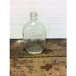 Kyпить Vintage Old Quaker Embossed Clear Glass Whiskey  Bottle Flask 1 Pint на еВаy.соm