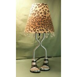 Kyпить Feet in Sandals Table Lamp with Leopard Print Shade Home Decor  на еВаy.соm