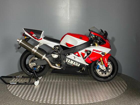 New Unused Yamaha YZF R7 1999 0 miles - HOMOLOGATION SPECIAL