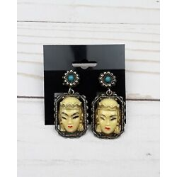 Kyпить Vintage Selro Screw Back Earrings Asian Princess Unsigned Costume Jewelry  на еВаy.соm