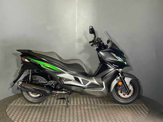 Kawasaki SC 300 J300 Special Edition Scooter 2018 with only 3695 miles